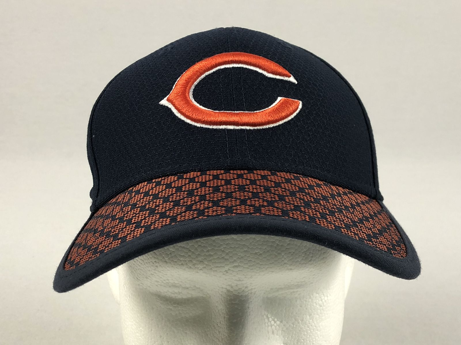 8111d0f772f New Era Chicago Bears - Blue Fitted Hat (Multiple Sizes) - Used