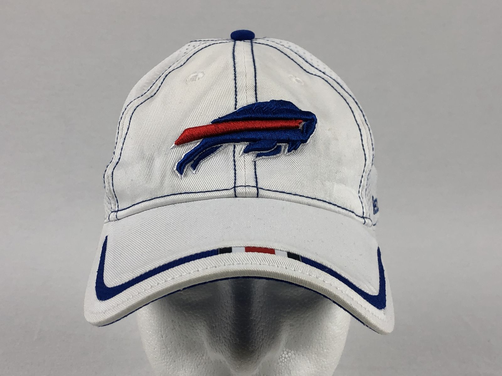 35de287b636 Details about Reebok Buffalo Bills - White Blue Adjustable Hat (OSFM) - Used