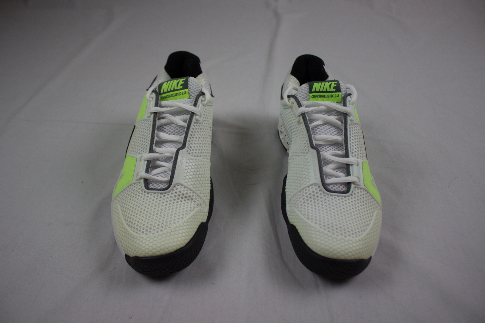 size 40 0f856 d0e54 Details about NEW Nike Air Max Courtballistec - White Running, Cross  Training (Mens 6.5)
