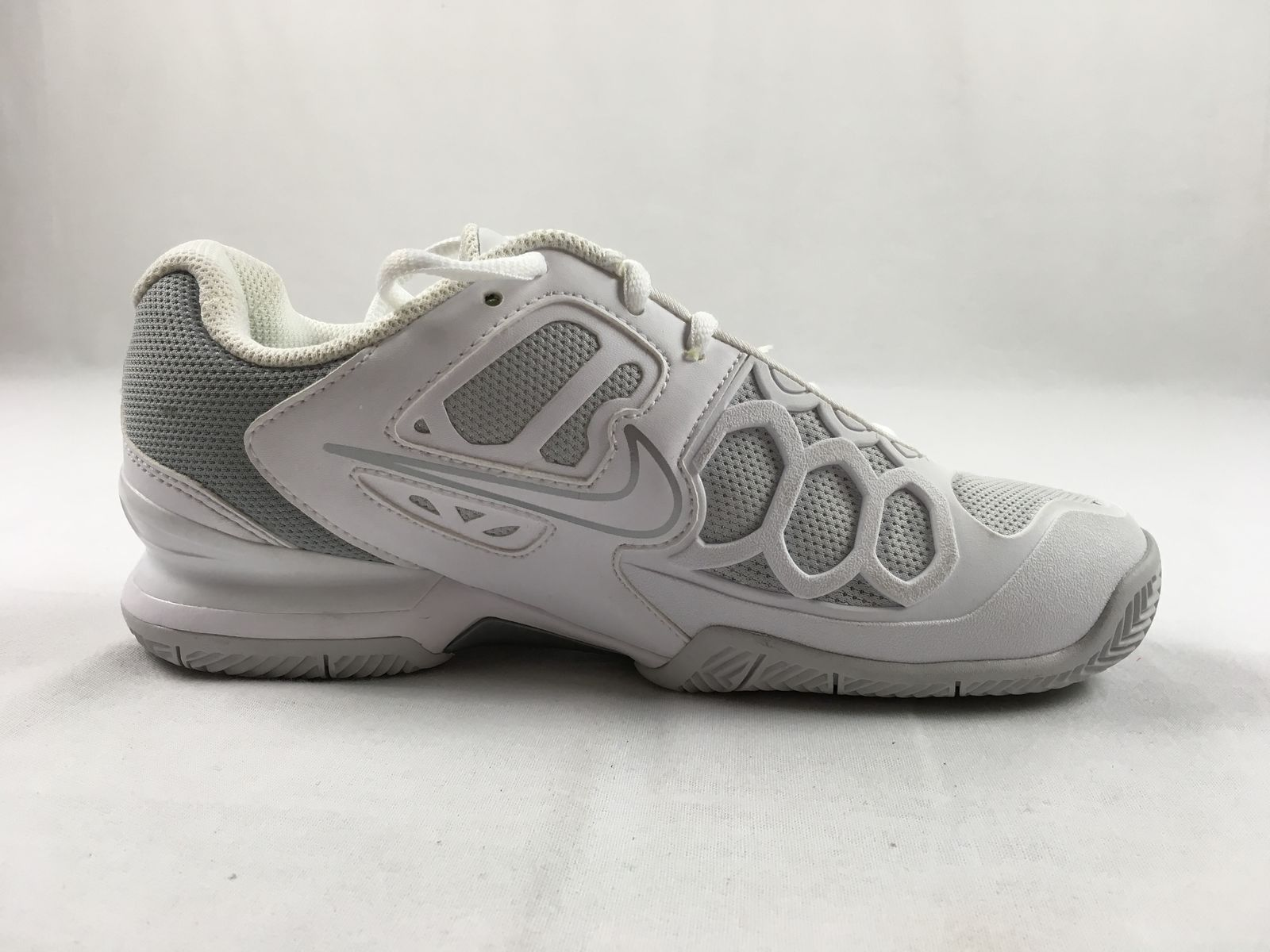 6873faf7255aa NEW Nike Air - White Gray Running