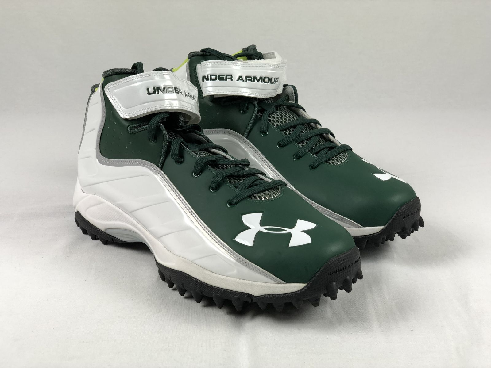 Men/'s Multiple Sizes Green//Black Cleats NEW Under Armour 4D Form