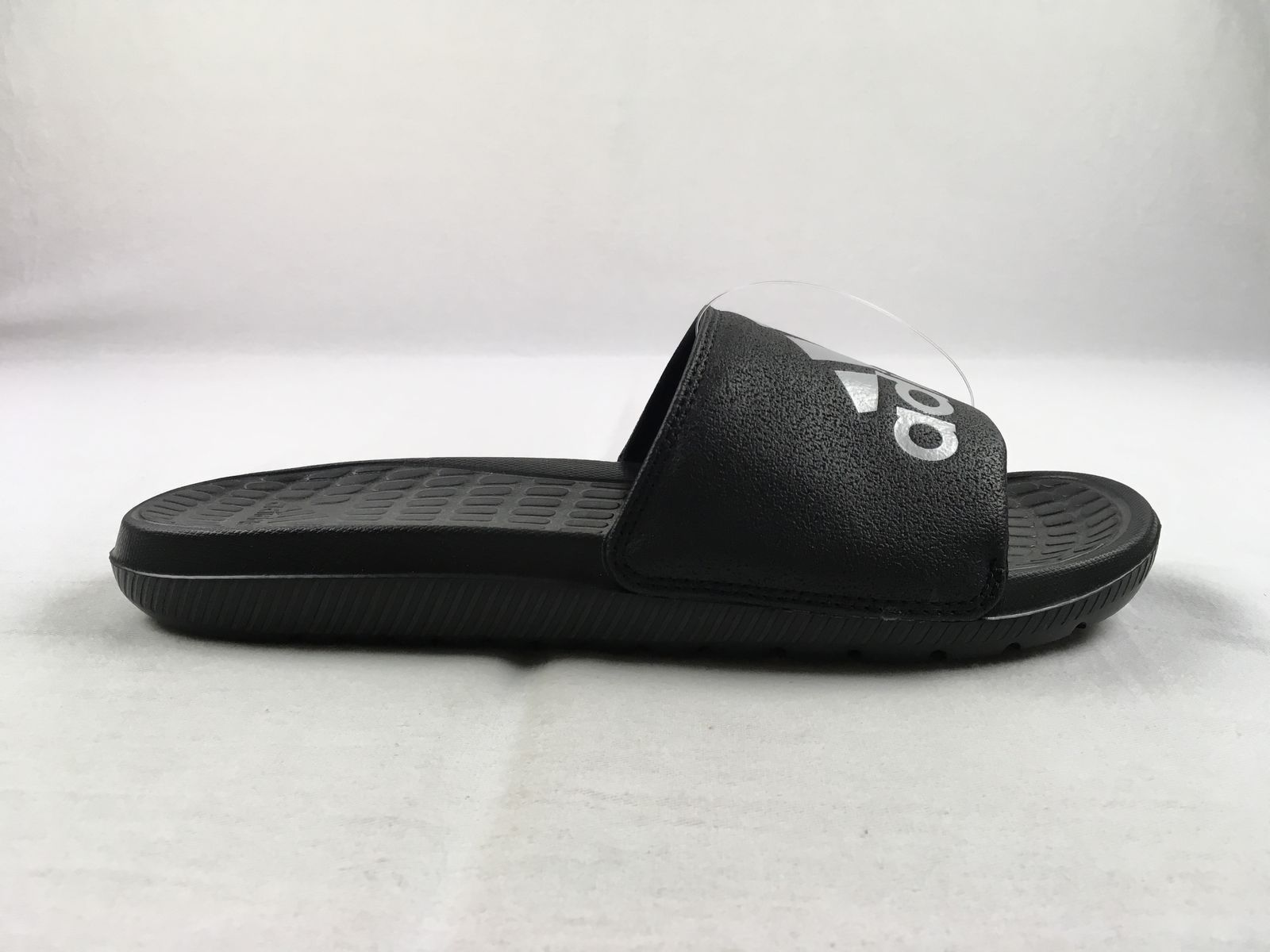 d898717c72b5 NEW adidas Voloomix - Black Sandals   Flip Flops (Men s 8 ...