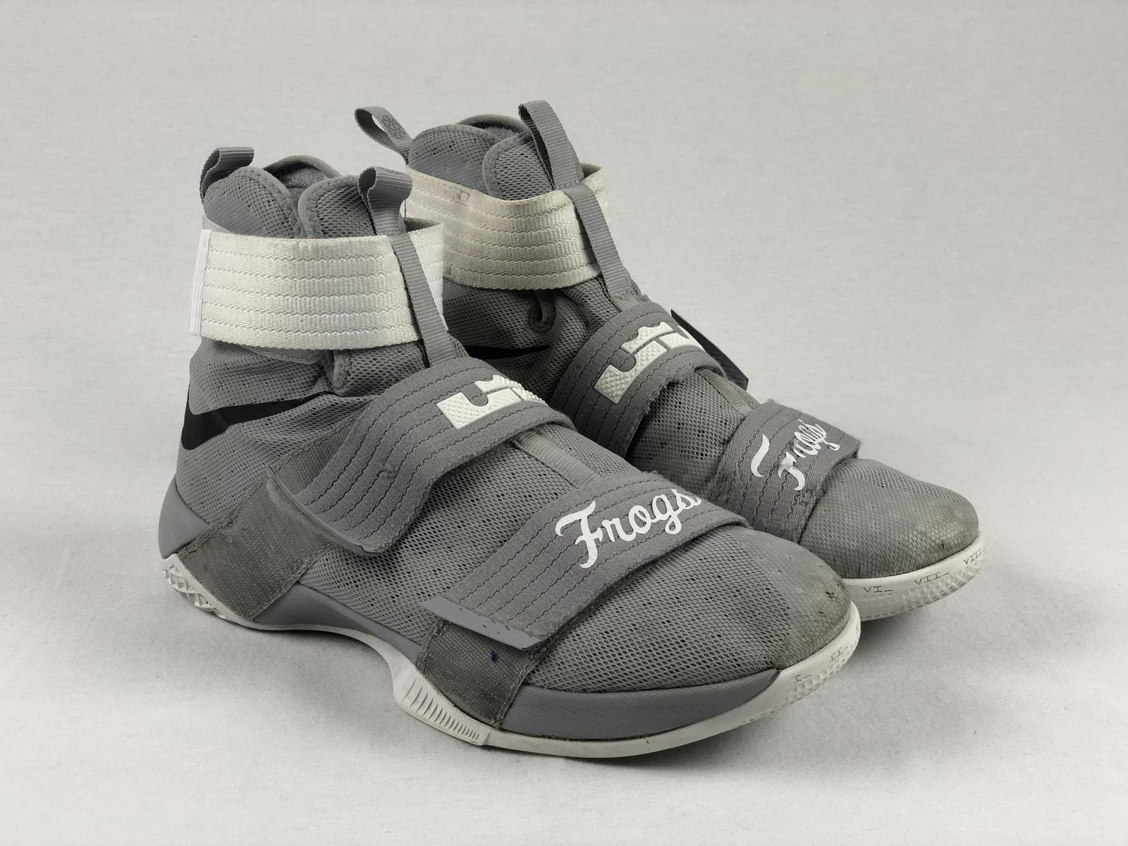 4076f52ec3d Details about Nike Lebron Soldier 10 - Gray Basketball Shoes (Men s 13) -  Used