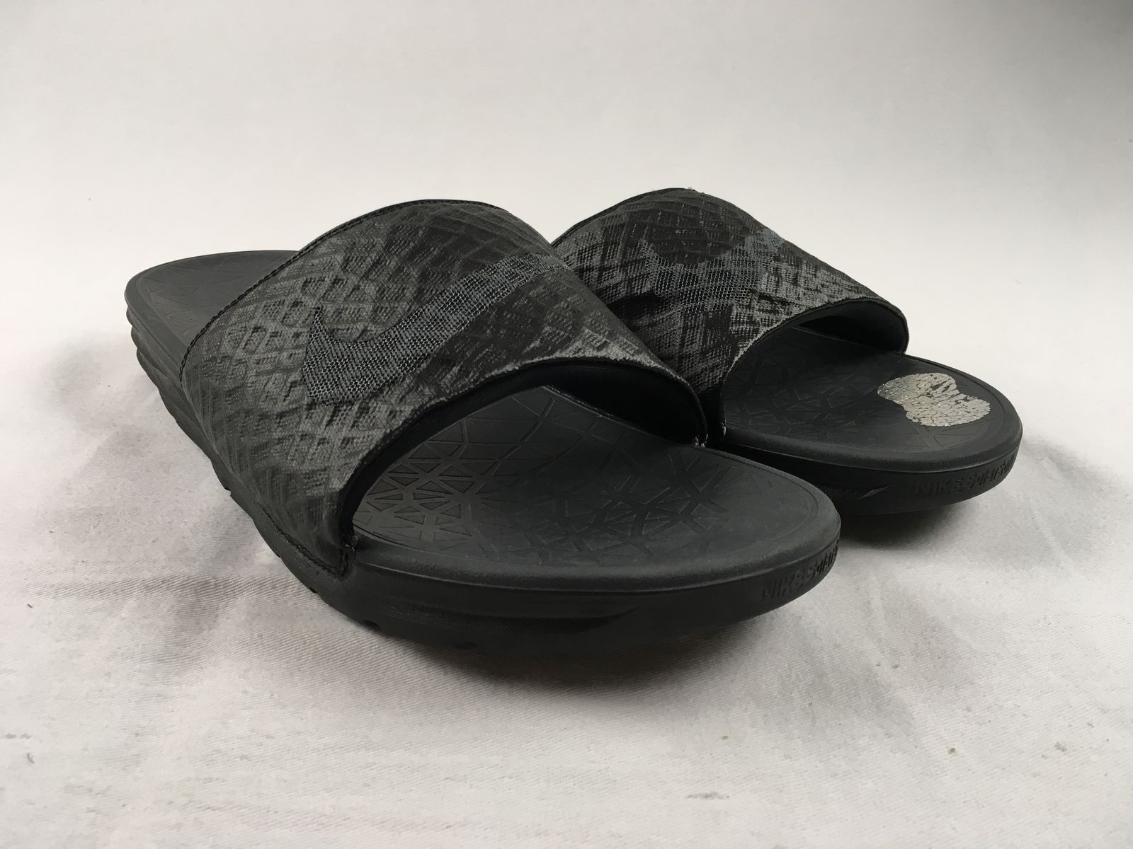 3d9530e60 Details about Nike Slides - Black Sandals   Flip Flops (Men s 13) - Used