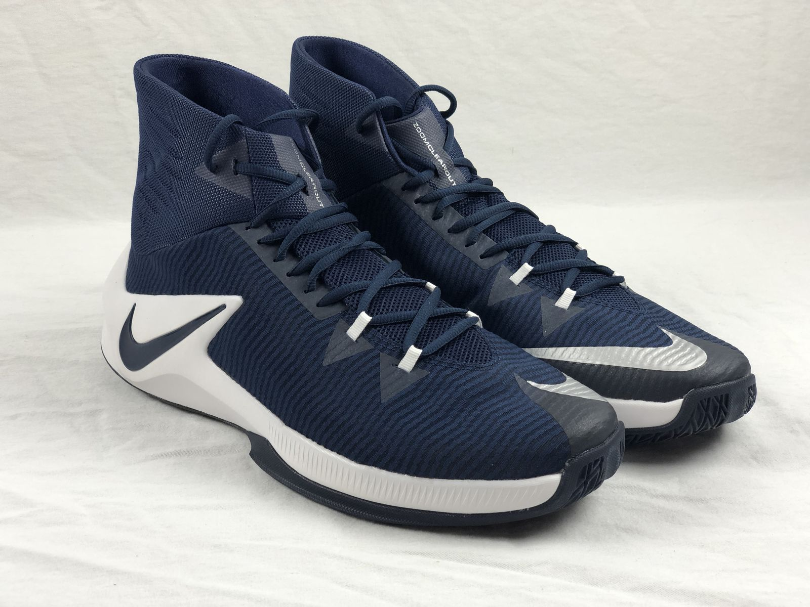 745007fbde7 Details about NEW Nike Zoom Clear Out TB Promo - Navy/White Basketball Shoes  (Men's 17)